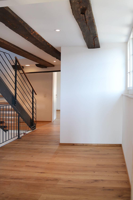 Treppenhaus-2OG-nach-Nord